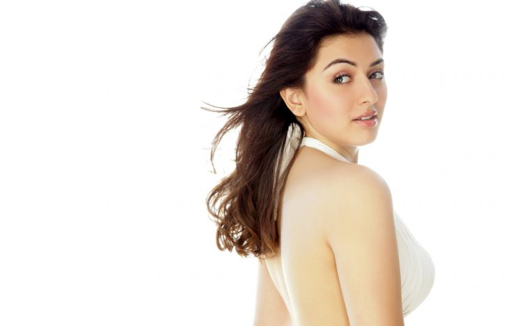 Actress Hansika Widescreen Wallpapers