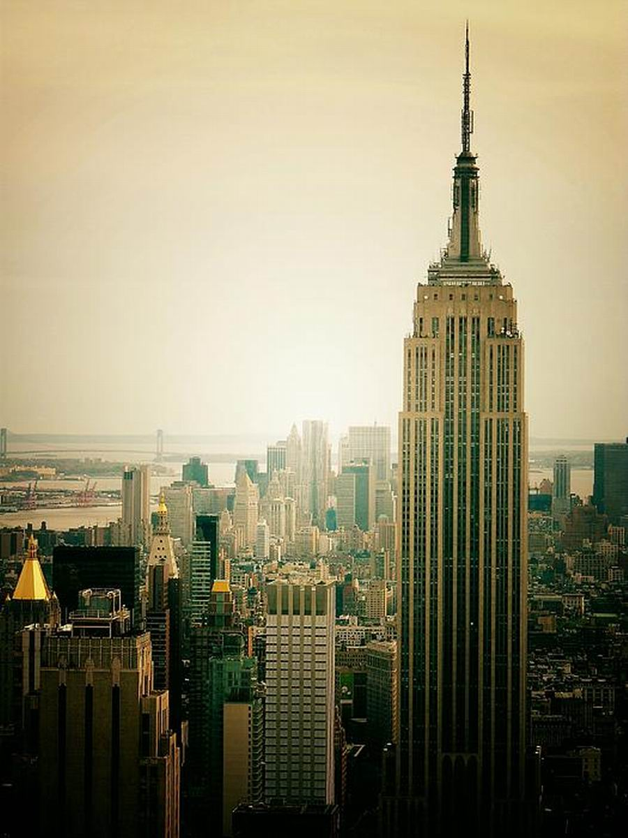 Empire State Building,New York City,USA,381 m,1,250 ft,102 Floors,1931 05