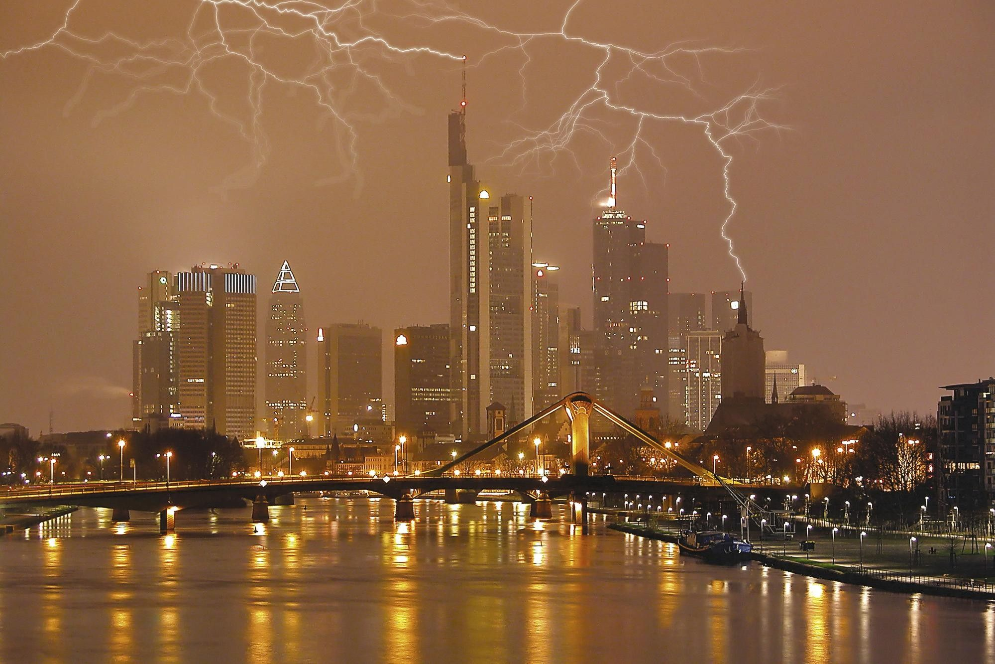 lightning, City, clouds, wallpapers , Pc backgrounds, free photos - HD wallpaper desktop backgrounds